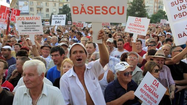 Folkeafstemning i Rumænien: Et valg mellem pest og kolera