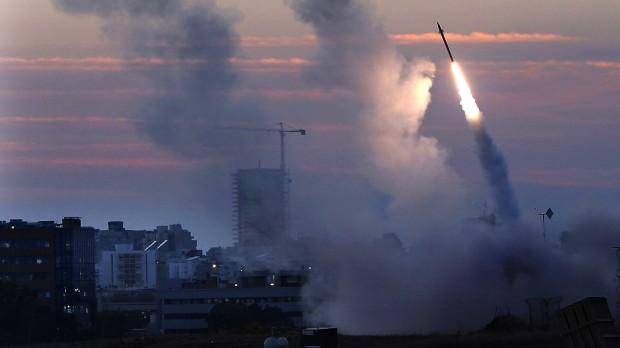 Per Stig Møller: Hamas skal stoppe raketterne, Israel skal stoppe bosættelserne