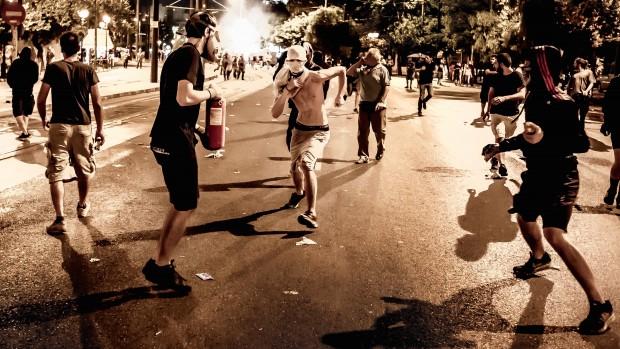 Grækerne er opgivende: Ingen tror på, at et valg vil ændre noget