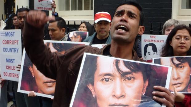 Myanmar: Demokratiets sejr er rohingyaernes nederlag