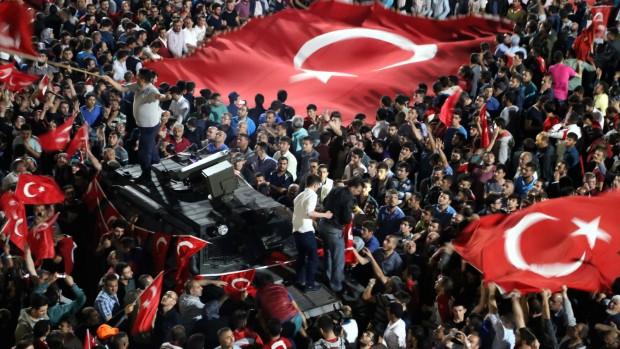 Efter kupforsøget: Al magt til Erdogan?
