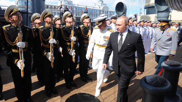 Steen Holm Iversen: Kun de naive frygter ikke Putin og Rusland