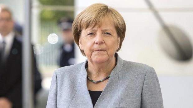 Merkel har forandret CDU, men skaber tavshed om EU  Analyse af Ole Aabenhus