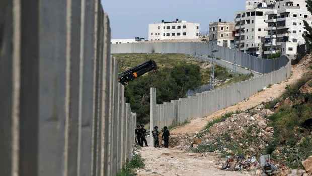 Hans Henrik Fafner: De fleste israelere ved godt, at nybyggerier på Vestbredden er ødelæggende for fredsudsigterne. Så hvorfor forsætter de?
