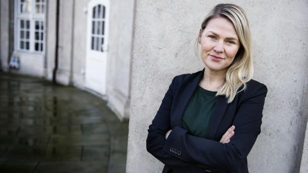 Laura Lindahl (LA) efter at V dropper nulvæksten: De blå kommer aldrig til at vinde overbudskonkurrencen – for de røde vil altid bruge (endnu) flere penge