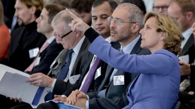 """""""Jeg hørte på et tidspunkt Ole Birk Olesen få et spørgsmål om CO2 og svare: 'Det må I spørge energiministeren om, for jeg er ikke klimaminister'. Der må man bare sige, at han har misforstået opgaven"""" Connie Hedegaard om klimapolitikken"""