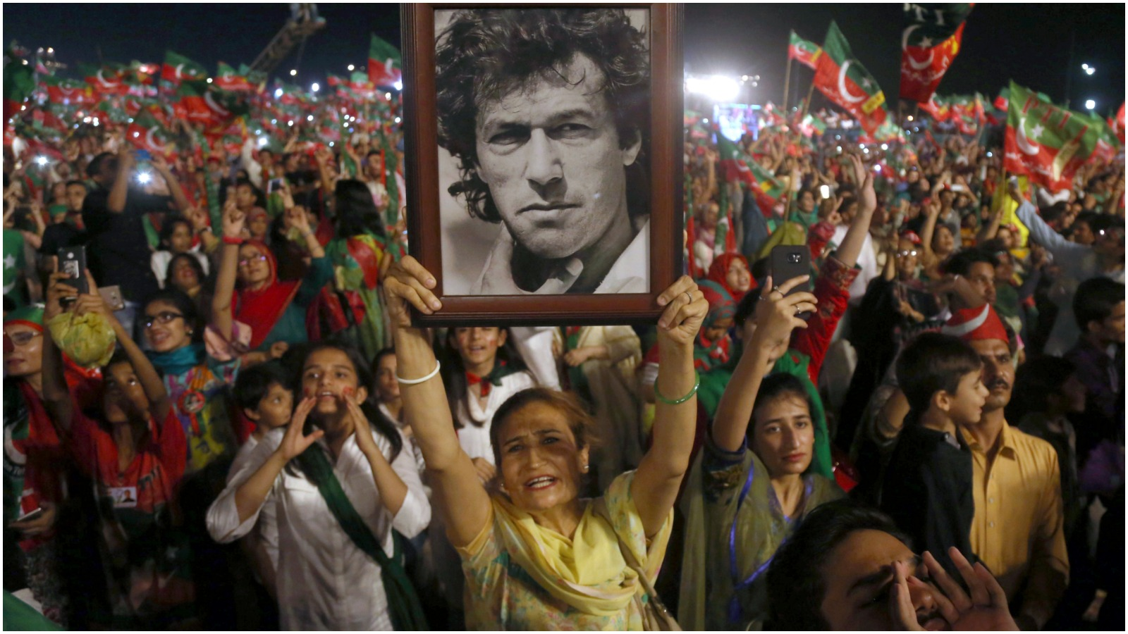 Jonas Stengaard Jensen: Imran Khan har vundet magten med militærets velsignelse. Spørgsmålet er, om han kan løsrive Pakistan fra militærets kontrol?