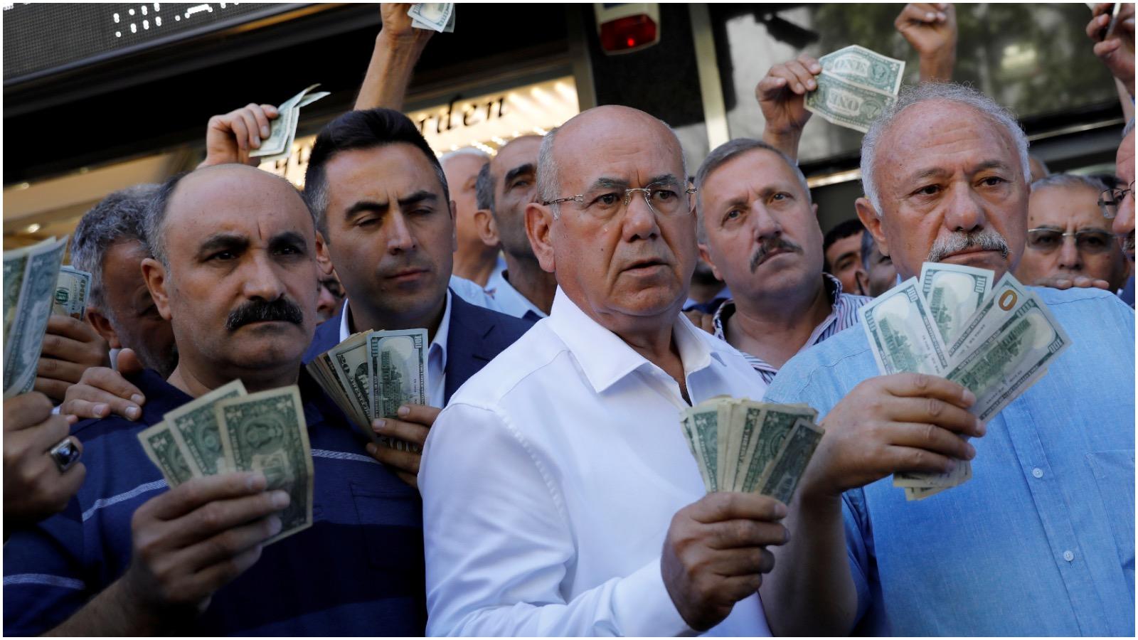 Mikael Olai Milhøj om Tyrkiet: Fra politisk til økonomisk krise