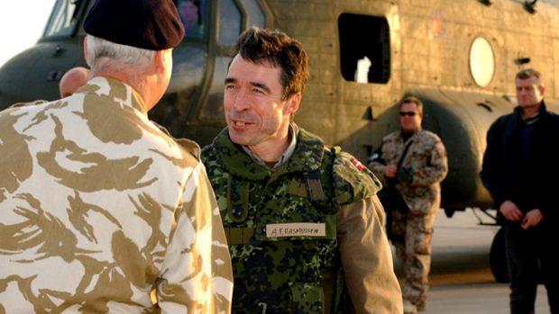 David Trads: Foghs løgne og leflen for Bush fik os i krig i Irak. Endelig bliver hans eftermæle retfærdigvis belastet