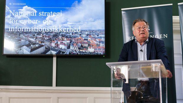 John Michael Foley: Ansvaret for Danmarks cybersikkerhed skal ud af efterretningstjenesternes lukkede verden. Det civile samfund skal tage styringen
