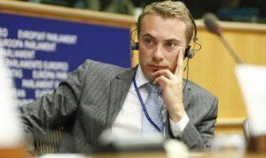 <font color=00008>Morten Messerschmidt:</font color=00008> Har du baglandet med dig i udlændingepolitikken, formand Frederiksen?