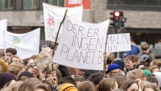Frederik Nilausen Dam: En politisk glorificeret klimabevægelse lader frygt og følelser styre dagsordenen
