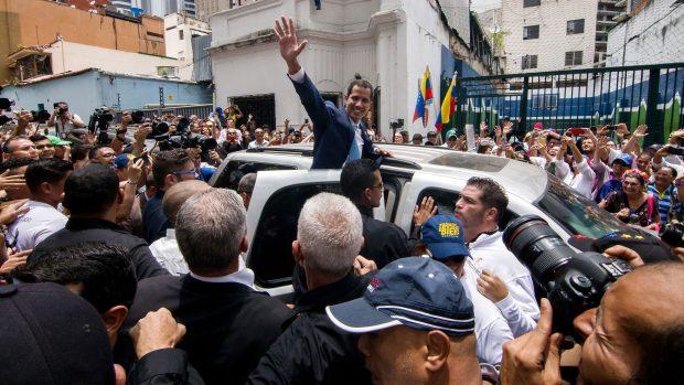 Markus Giessing: De store dagsordensættende medier har svigtet i dækningen af Venezuela. Guaido er ikke en helt
