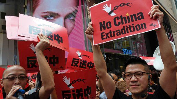 Tobias Simonsen: Xi Jinping strammer sin allerede knyttede næve om Hongkongs politiske system og dræner det demokratiske håb