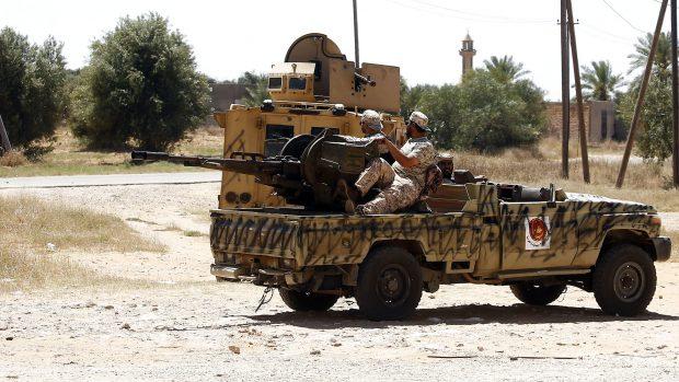 Anas El Gomati: Den franske regering forsøger gennem støtte til general Haftar at indsætte et diktatur i Libyen