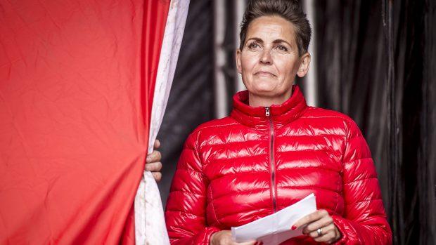 Niels Jespersen: Pia Olsen Dyhrs imponerende genrejsning af SF har gjort kritikerne til skamme