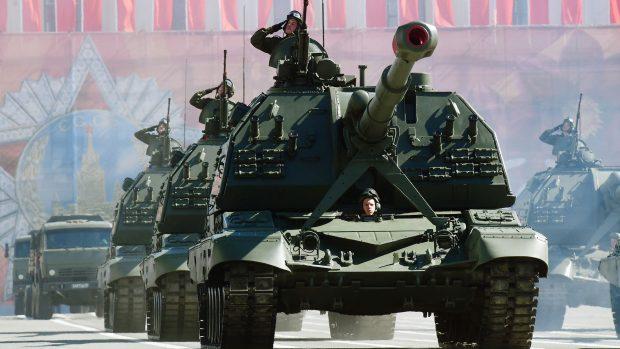 Mogens Lykketoft: Rusland er stærk nok til at forhindre løsninger af en masse problemer. Men det er nemmere for Rusland at blive overanstrengt i et rustningskapløb, end det var for Sovjetunionen