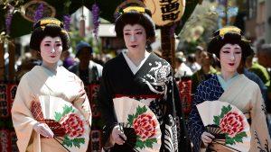 <font color=00008>Michael Liepke Kruse:</font color=00008> Japan har hårdt brug for udenlandsk arbejdskraft. Men hvad vil der blive af den japanske kultur og identitet?