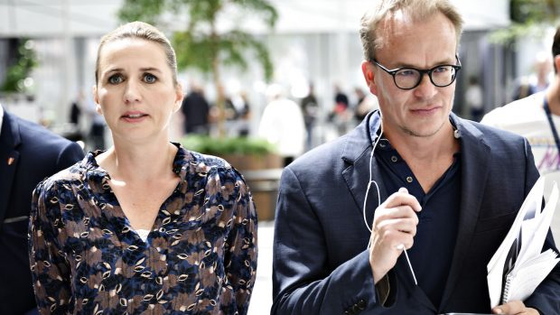 Christina Egelund: Ind i en temmelig syret gråzone. Statsministerens nye, unikke magtfigur styrker behovet for større åbenhed