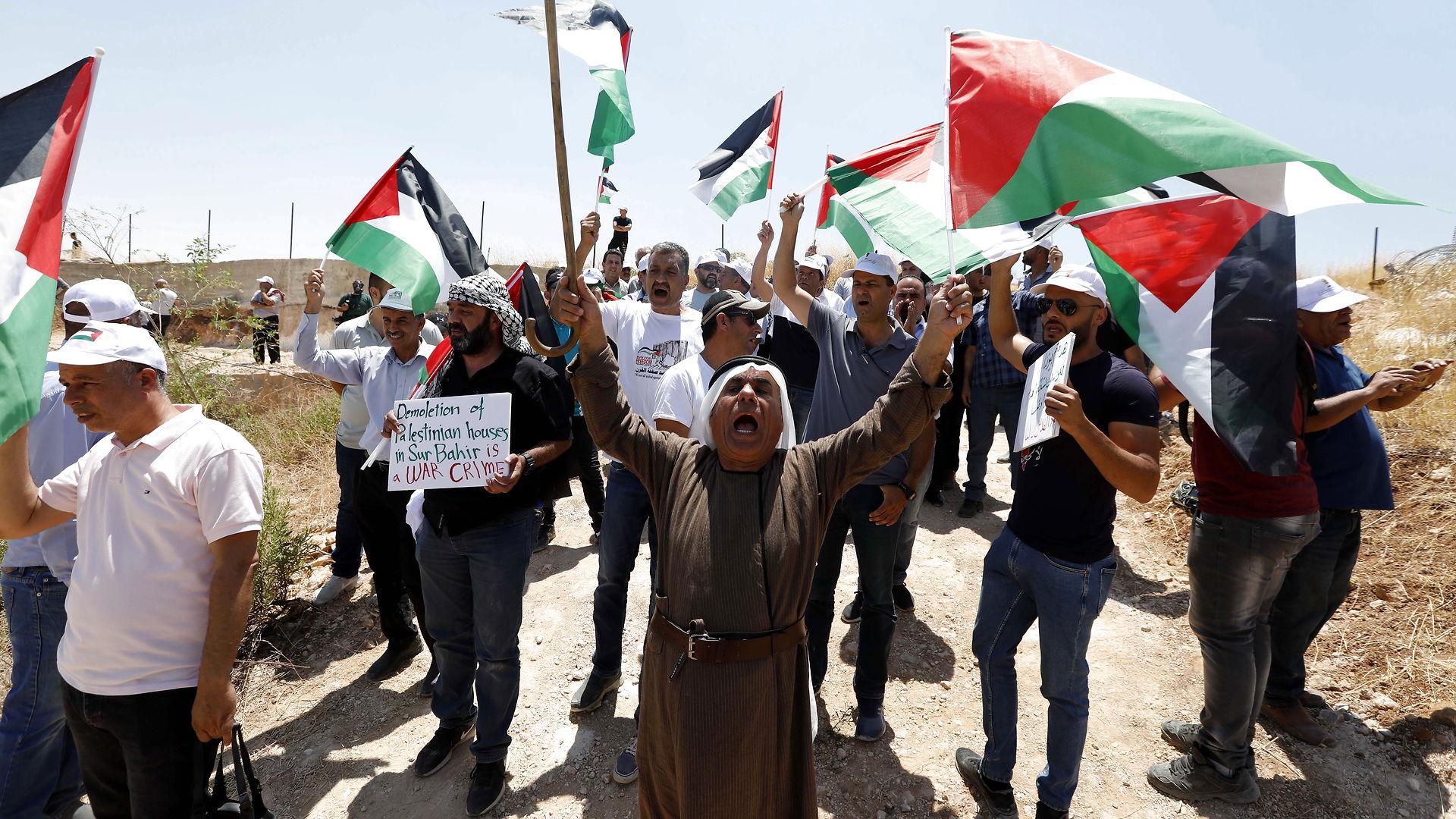 Hans Henrik Fafner: Palæstinenserne vil vriste sig fri af Israels økonomiske jerngreb – men israelerne holder fast