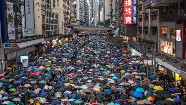 Asger Røjle Christensen: Hongkong-demonstranterne har sympati i resten af Asien, men ingen kommer dem til undsætning. De står alene