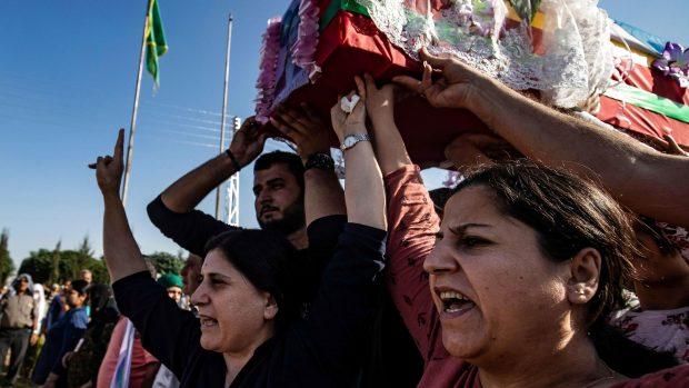 Niels Jespersen: Kurderne gør sig ingen illusioner om Assad, men aftalen med ham gør det muligt at overleve endnu en dag