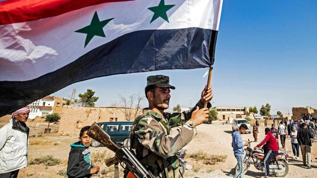 Deniz Serinci om kurdernes aftale med Assad: Bag Assad står Rusland, som nu alene har nøglen til fremtidens Syrien
