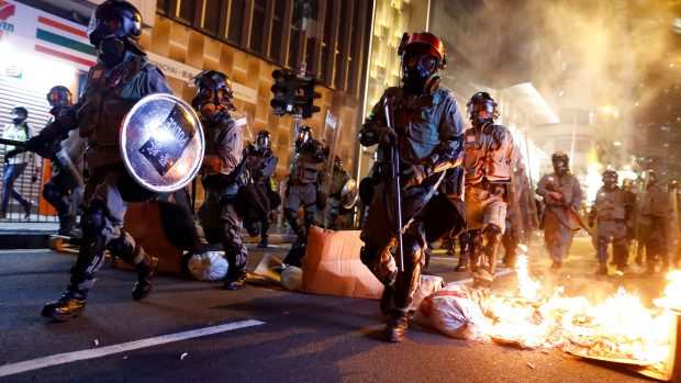 Professor Rana Mitter: Hvis Beijing ignorerer søndagens valgresultat, vil urolighederne i Hongkong eskalere igen