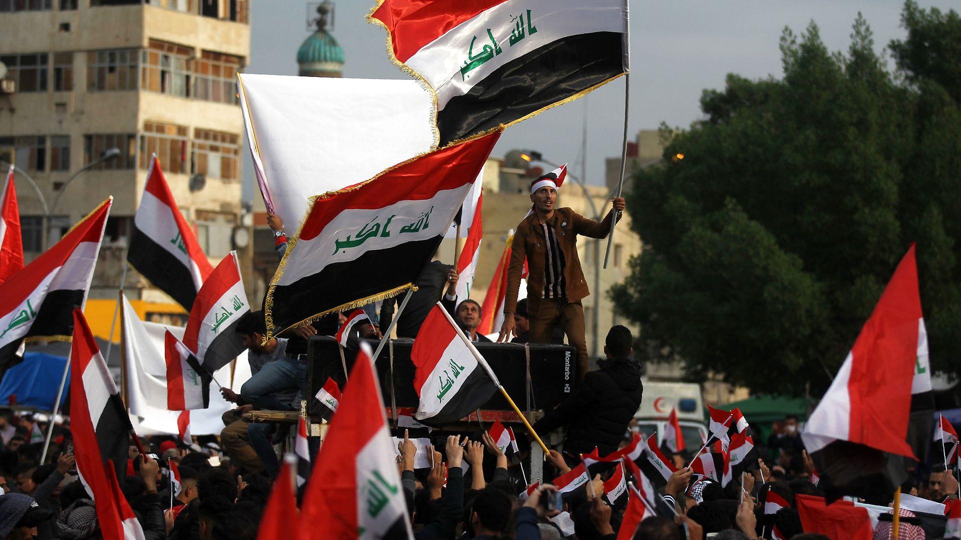 Johannes Sartou: Irakerne gør oprør mod det sekteriske system, amerikanerne indførte, og som har givet Iran kontrollen