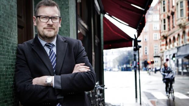 Kåre Traberg Smidt: Regeringen spilder skattekroner på at interviewe flygtninge – de burde spørge Dansk Flygtningehjælp