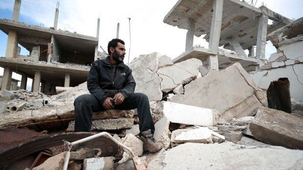 Syrienekspert Nikolaos van Dam: Assad vil genvinde kontrollen i Idlib, men det bliver ikke uden et enormt blodbad