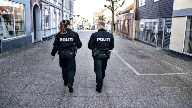Uffe Gardel følger udviklingen #7: Hvorfor bruger vi ikke karantæne og isolation i Danmark?