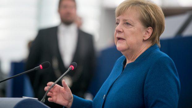 Andreas Steno Larsen om den tyske forfatningsretsdom: Nu sættes der spørgsmål ved euroen som konstruktion. Men Merkel vil gå langt for at redde den