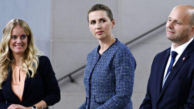 """Ny artikelserie af Vincent Hendricks:  """"Hvis vi gør det klogt"""", siger statsministeren om genåbningen. Politikerne tripper for at holde tre balancer – samtidig"""