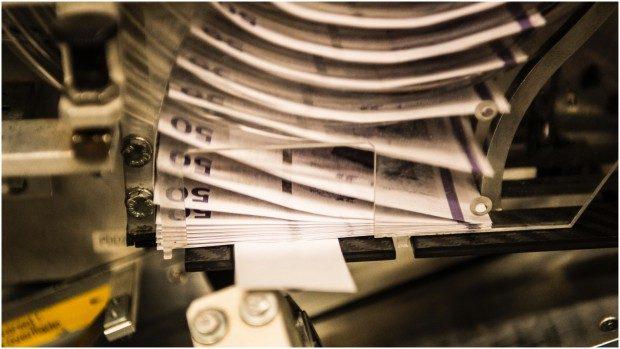 Prof. L. Randall Wray om Modern Monetary Theory: Når økonomer påstår, at intet er gratis, tager de fejl. For stater kan aldrig løbe tør for deres egen valuta