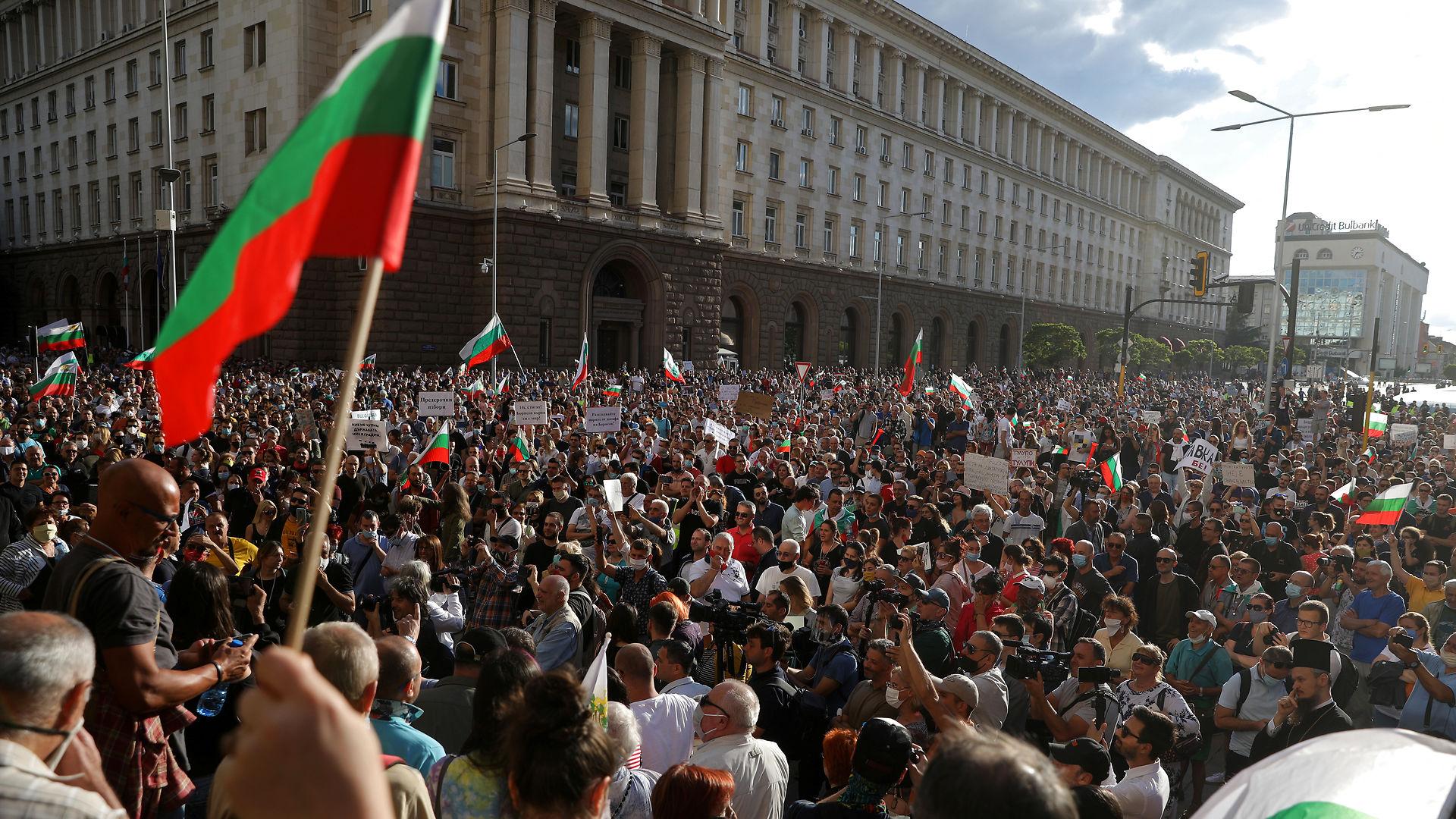 Peter Martin Kappel: Europæiske politikere forherliger Bulgariens korrupte oligarker i stedet for at støtte demonstranternes kamp