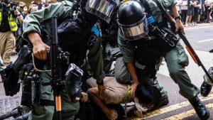 <font color=00008>Thomas Rohden:</font color=00008> Kina har berøvet Hong Kongs borgere deres frihed. Nu skal Danmark bekende kulør i kampen for den internationale verdensorden