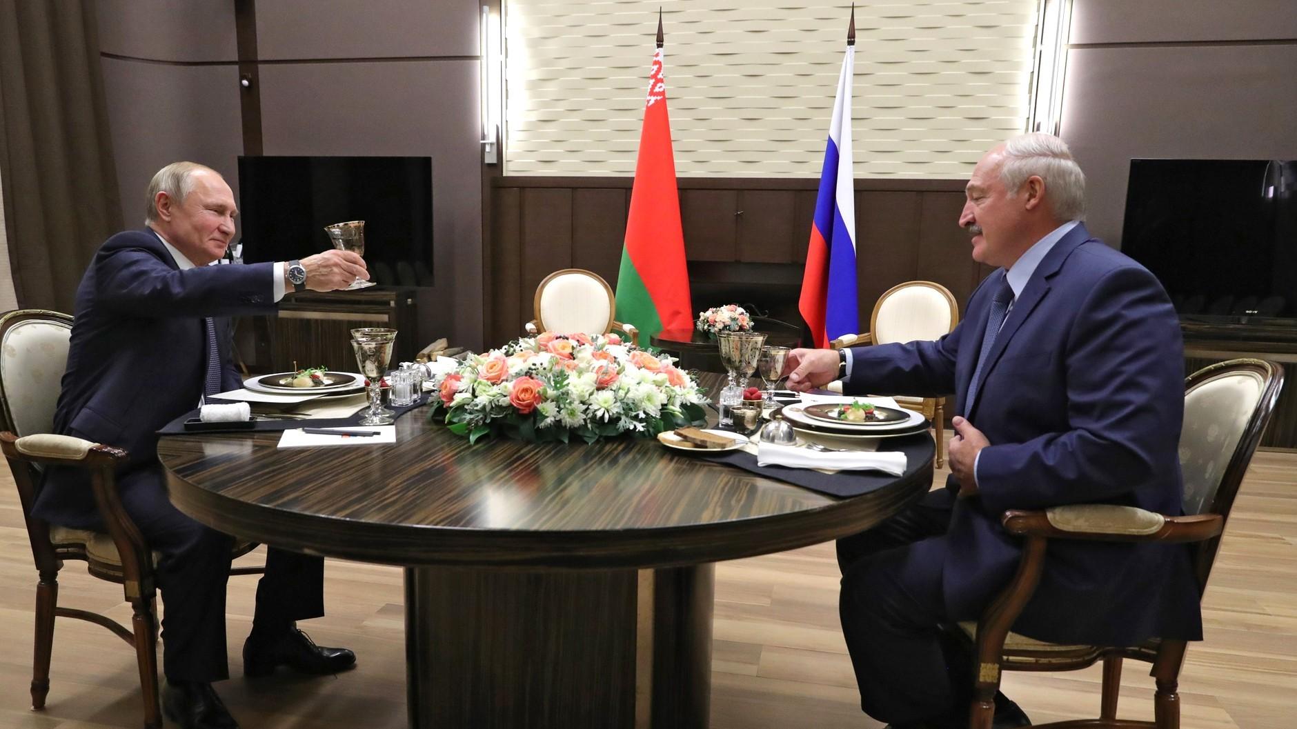 Uffe Gardel om Hviderusland: Hvornår griber Rusland ind?