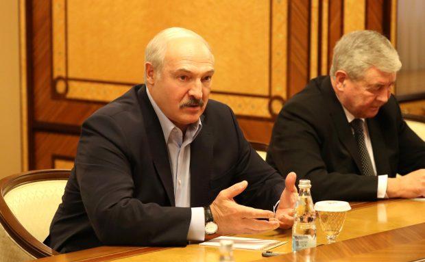 Politolog Jakob Tolstrup om Hviderusland, Lukasjenko og diktaturer:  Hvordan falder en diktator?