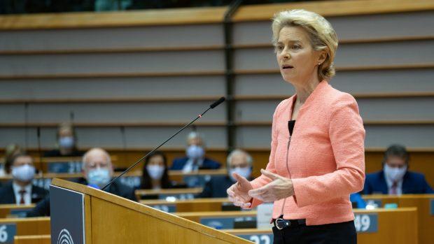 MEP Kira Marie Peter-Hansen (SF) om Ursula von der Leyens state of the union-tale: Der blev lagt op til et stærkere Europa, men klimaambitionerne forblev alligevel for svage