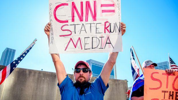 Journalist Matt Taibbi: De amerikanske medier spiller befolkningen ud mod hinanden og forhindrer dybereliggende kritik af samfundet