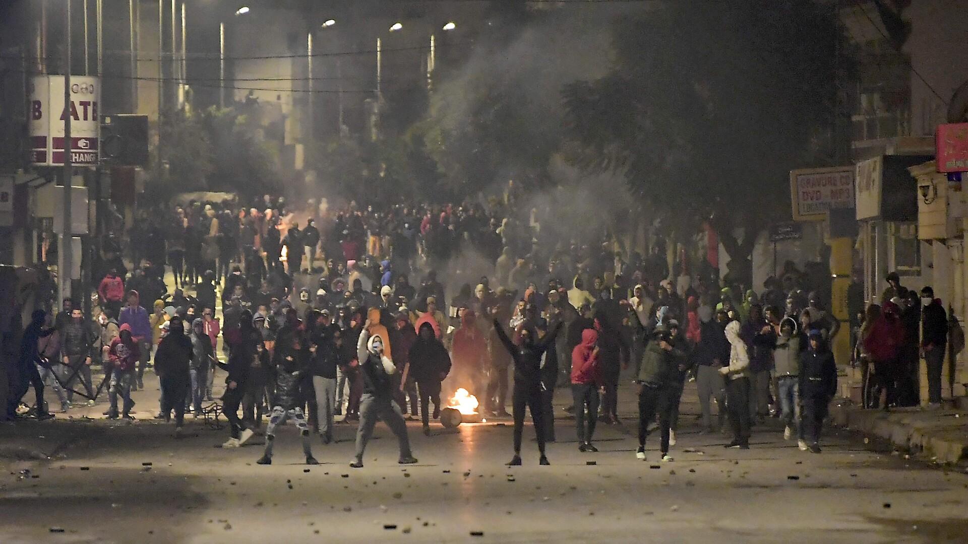 """Jakob Plaschke: De aktuelle tunesiske protester viser, at """"Det Arabiske Forårs eneste succeshistorie"""" ikke er så simpel endda"""