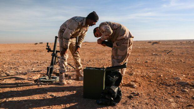 Vestenskov og Høj Hansen: Målet med udvidelsen af den danskledte NATO-mission i Irak skal fortsat være at håndtere konflikten fremfor at løse den. Alt andet ville være utopisk