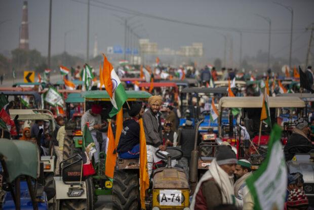 Ravinder Kaur i RÆSONs trykte forårsnummer: Modi ville bruge krisen som et 'springbræt' til gavn for sine to ønsker: Hindunationalisme og markedsøkonomi. Så kom protesterne – de mest omfattende siden uafhængigheden i 1947