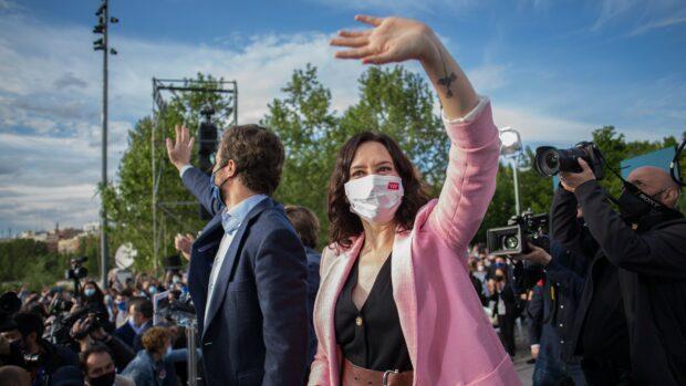 Carsten Humlebæk: I dag går befolkningen i Madrid til valg. Og resultatet kan blive strømpil for den politiske udvikling i hele Spanien