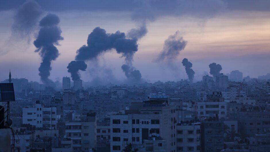 Hans Henrik Fafner: Netanyahu klynger sig til magten i Israel, og det samme gør Abbas i Palæstina – den store konfliktoptrapning omkring Gaza og Jerusalem kan den næste tid vise, om det lykkes dem at holde fast