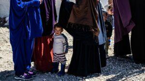Børnerettighedsjurist Claus Juul: Man får den tanke, at disse love og procedurer ikke kunne være vedtaget, hvis der ikke knyttede sig forestillinger om burka, niqab og islamisme til dem