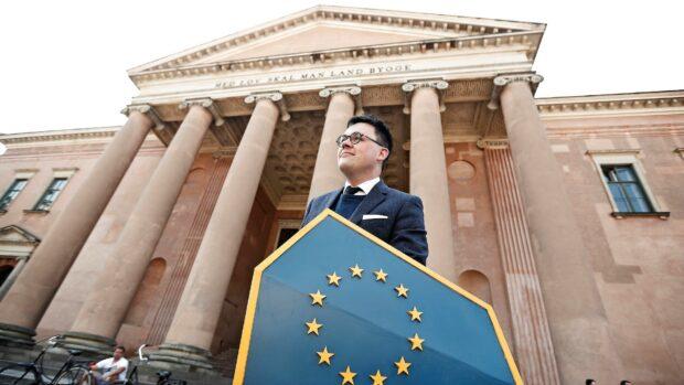 Rasmus Malver, formand for Foreningen mod Ulovlig Logning: Landsretten siger helt åbent, at ja, vi bryder EU-retten, men magthaverne vil gerne have overvågningen, så hvorfor ikke bare blive ved med det?
