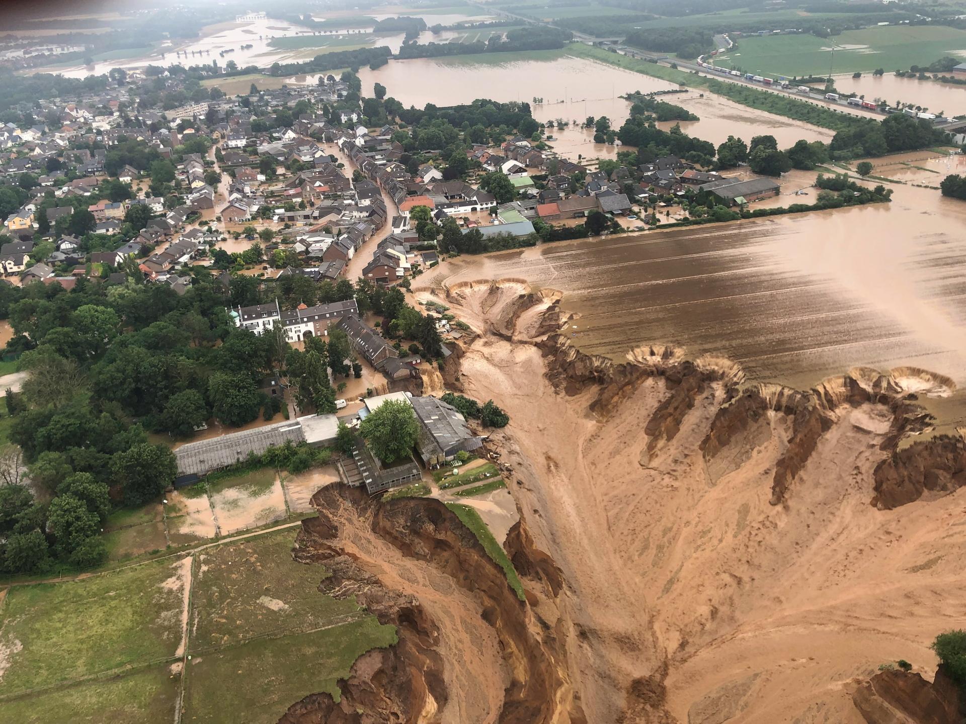 Philipp A. Ostrowicz: Oversvømmelserne i Tyskland rykker på dramatisk og tragisk vis klimadebatten helt ind i tyskernes liv – og ind i den tyske valgkamp