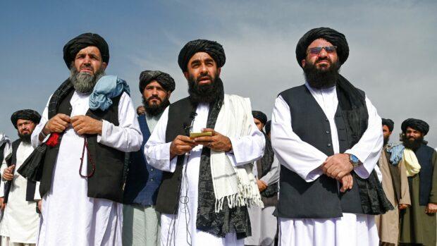 Mona Sheikh: Taliban skal kunne holde sammen som bevægelse og opnå international anerkendelse, hvis de skal kunne omdanne sig fra oprørsbevægelse til et parti